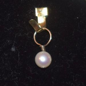 Pearl Charm